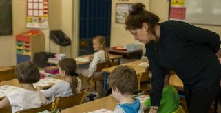 Dyrektorzy placówek szukają nauczycieli
