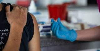 Akcja szczepień przeciwko koronawirusowi w Centrum Historii Zajezdnia