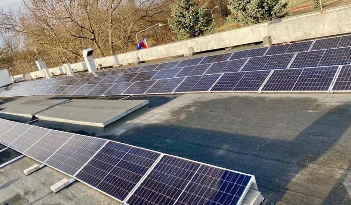 Instalacja fotowoltaiczna na dachu budynku WCT Spartan