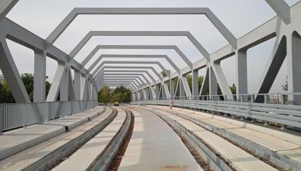Na wiadukt nad ul. Strzegomską wjadą tramwaje i autobusy