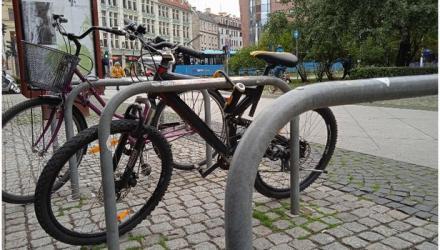 We Wrocławiu jest coraz więcej stojaków rowerowych