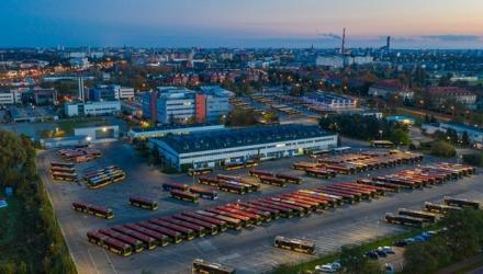 Oprócz nowych autobusów zajezdnia przy ul. Obornickiej zostanie wyposażona w systemy ładowania