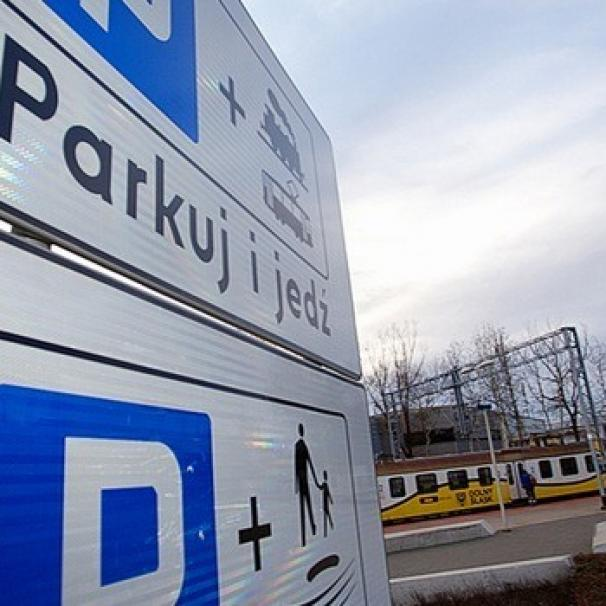 """Powstają nowe miejsca parkingowe """"Parkuj i jedź"""""""