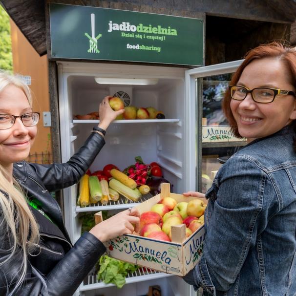 Wrocław nie marnuje żywności. Sprawdź, jak możesz podzielić się jedzeniem