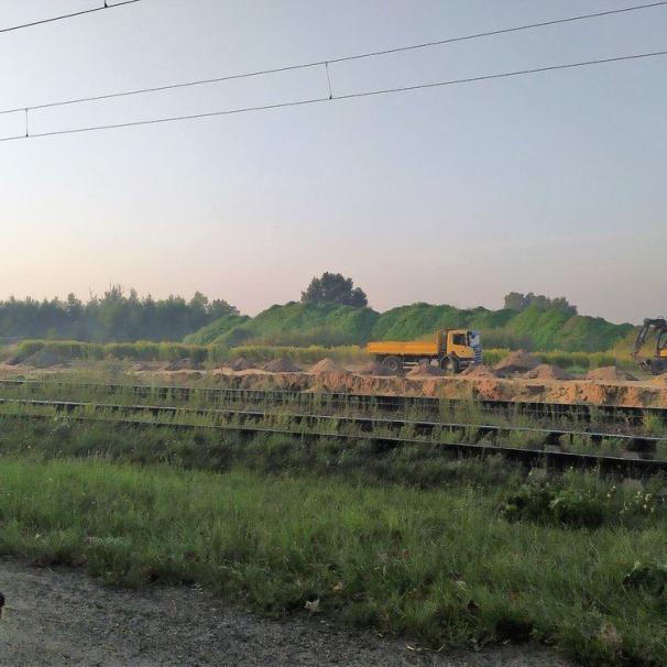 Praca wre na Osi Zachodniej. Ruszyła budowa wiaduktu nad torami